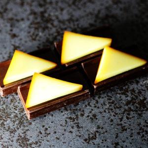 チョコレートと燻製チーズ
