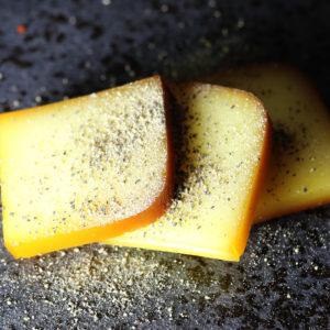 ブラックペッパースモークチーズ