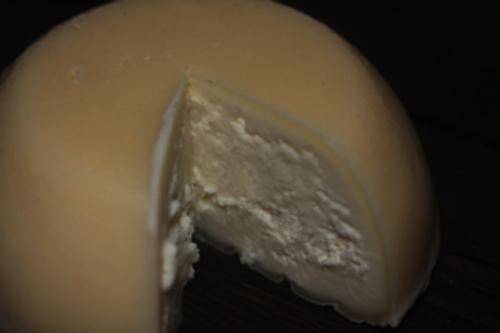 自家製ゴーダチーズ