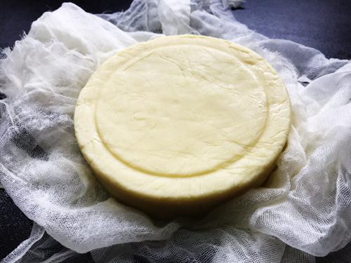 自家製チェダーチーズ